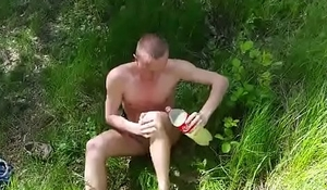 Strip totally naked and masturbates in nature