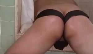 Oiled up ass sissy twerkin