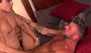Buffed Asian plank screwing his handsome elder darling