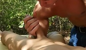 Cock sucking unconcerned masseur bareback fucks