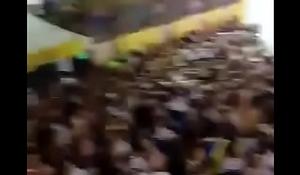 Vá_rios gays beijando no Carnaval 2018
