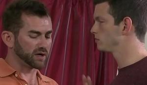 Benn Height sucks his mentor'_s thick cock